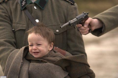 Auschwitz_FirstScene_Shot