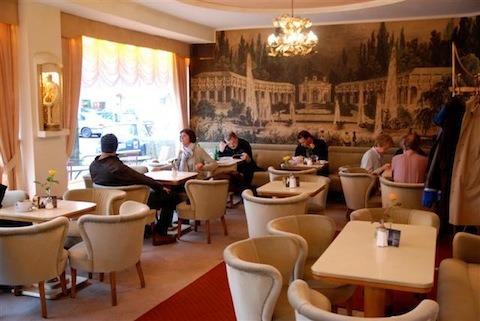 Random Charts (19): Meine Restaurants - Wortvogel - 100% Torsten Dewi
